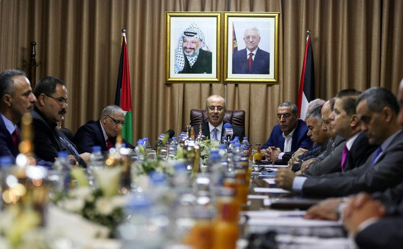 Palestinian Accord Govt. Ignores Case Of Gaza Employees Salaries