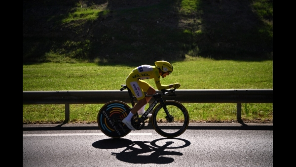 France's Julian Alaphilippe, wearing the overall leader's yellow jersey rides during the thirteenth stage of the 106th edition of the Tour de France cycling race, a 27,2-kilometer individual time-trial in Pau  AFP / Marco Bertorello