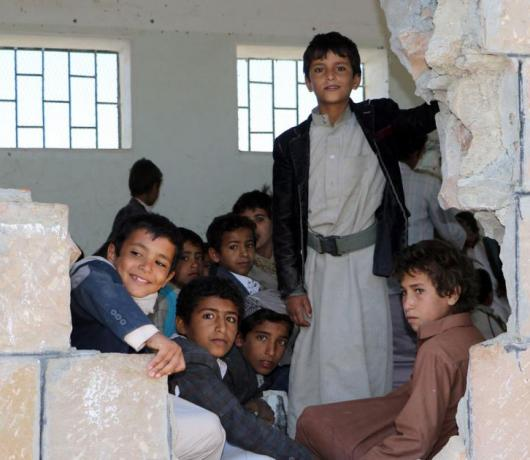 Exclusive – Social Initiatives Help Kick off School Year in Yemen's Raymah