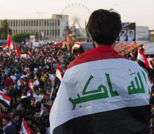 Shiite Iraqi Blocs in Crisis as Kazemi Proposed as Zurfi Replacement for PM