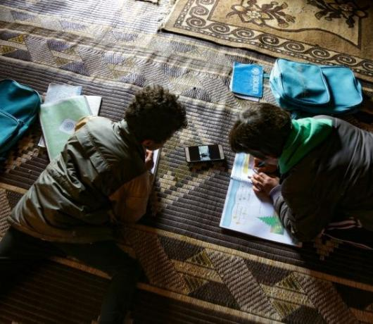 In War-Torn Syria, Digital Learning Battles Power Cuts