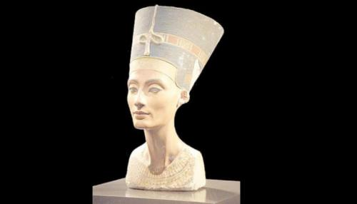 Egypt Continues to Search for Nefertiti Daughter's Tomb