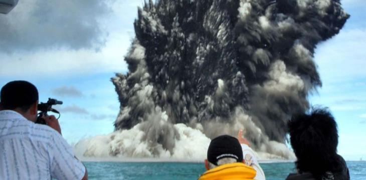 Scientists Dig Undersea Volcano in New Zealand
