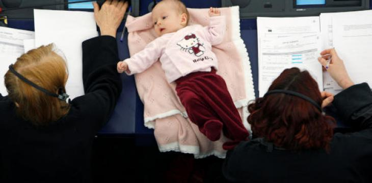Parliaments Cater for Lawmaker Moms