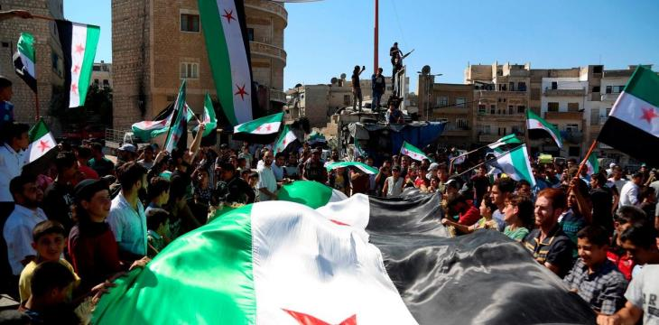 Syrian Interim Govt. Refuses to Change 'Revolution Flag'