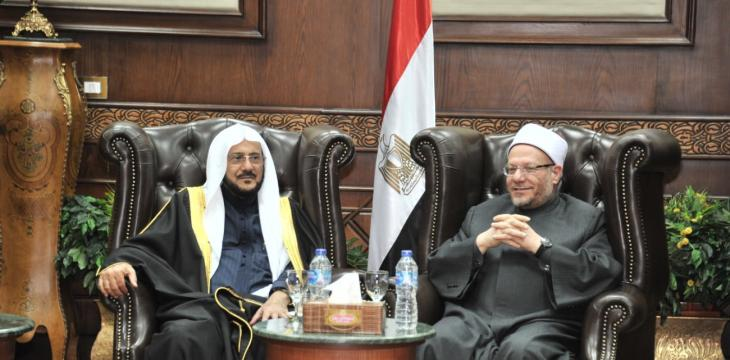 Egypt's Grand Mufti Hails Saudi Arabia's Service of Muslims