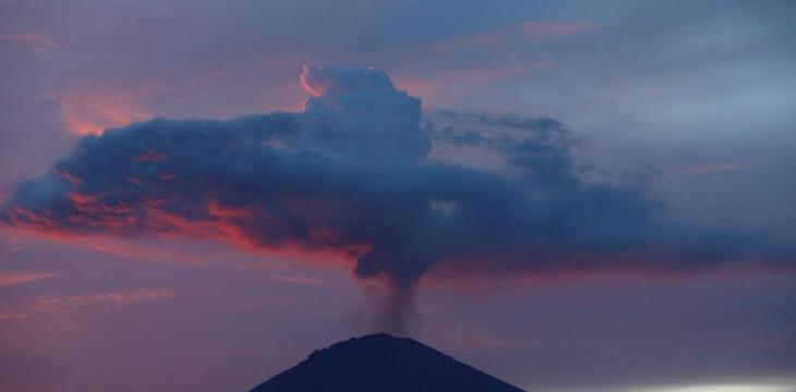 Saudi Arabia Urges Nationals against Approaching Indonesia's Mount Agung