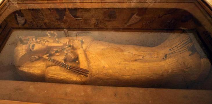 Tutankhamun Golden Coffin under Restoration for the First Time