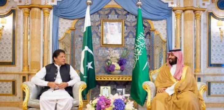 Saudi Crown Prince Meets with Pakistan's PM in Jeddah