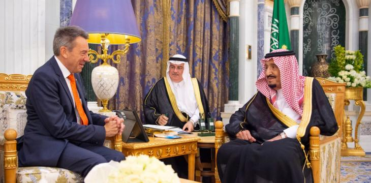 King Salman Receives Red Cross Chief in Riyadh
