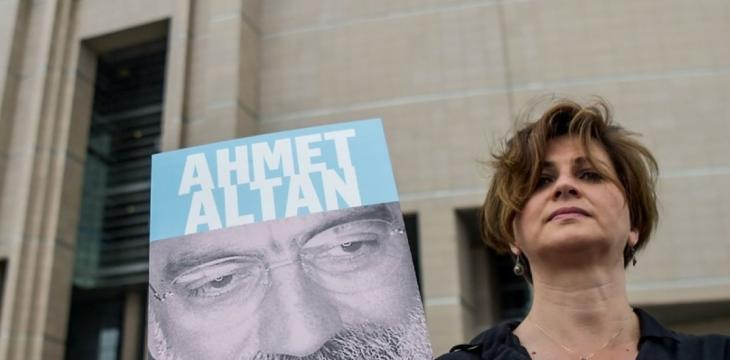 Turkish Police Arrest Journalist Altan a Week after his Release