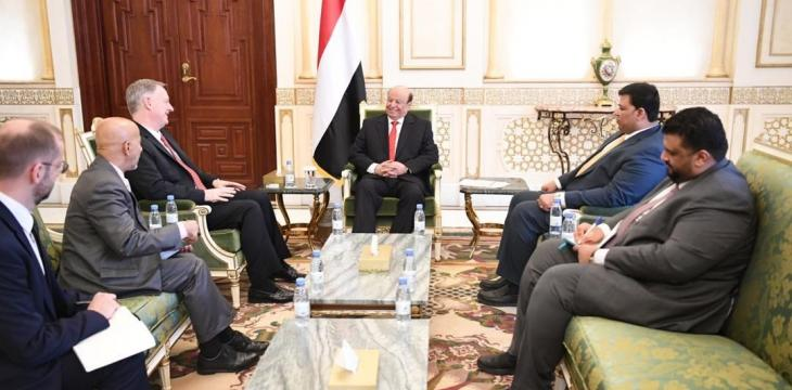 Hadi Forms Team to Unify Yemen's Political Parties Under Legitimacy