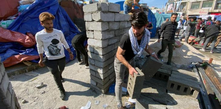 Iraqis Rebuild Wrecked Protest Camp as Violence Escalates