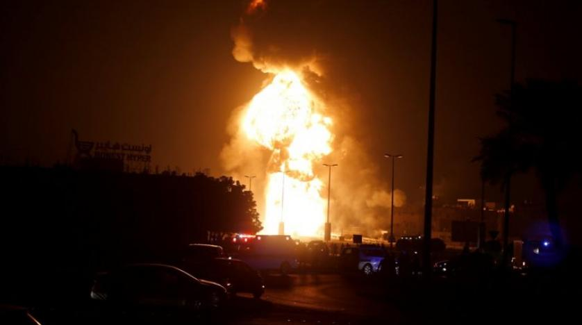 Explosion rips through oil pipeline in Bahrain causing massive blaze