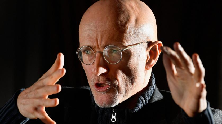 Surgeon carries out first head transplant on dead bodies