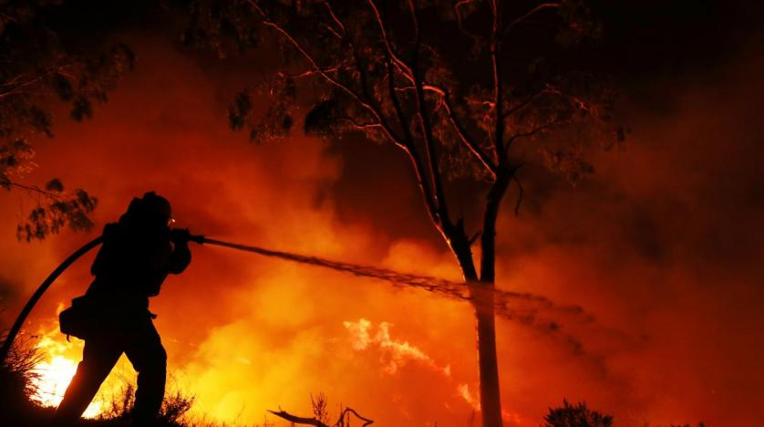 California wildfire threatens Los Angeles, over 200000 forced to evacuate