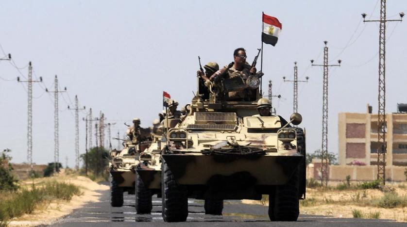 Egyptian army officer killed in Sinai airport shelling attack