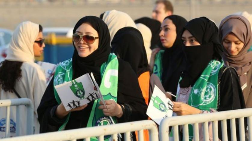 Saudi women fill stadium to watch first live men's football game