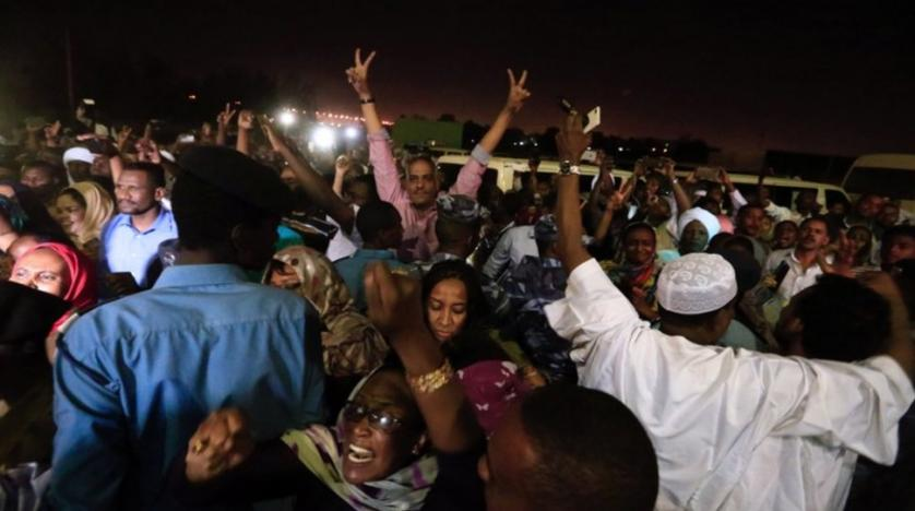 Kuwait- Sudan's Pres. order release of all political prisoners