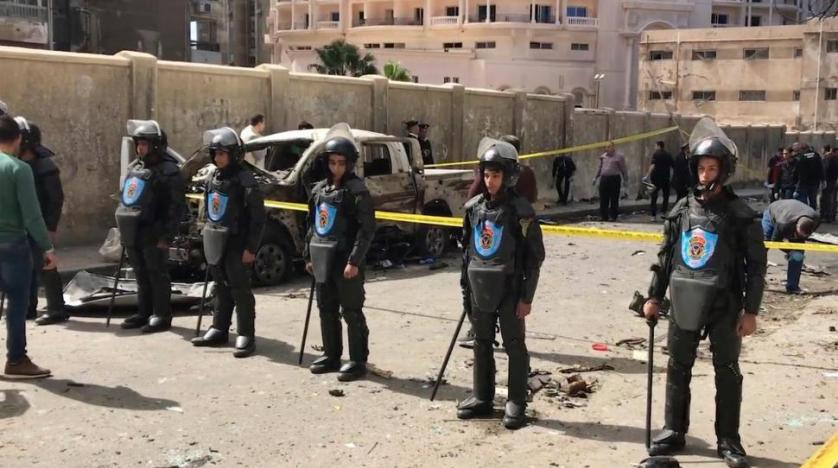 Terrorists target top Egyptian general in vehicle bomb attack days before elections