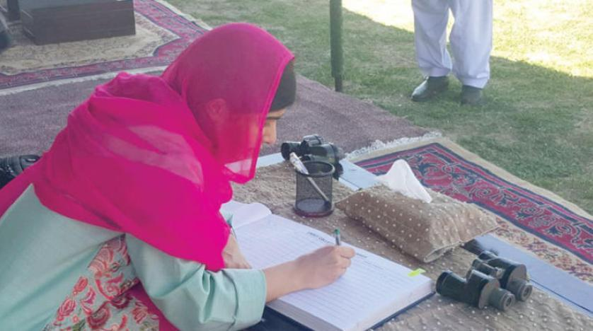 Malala weeps after Swat home return