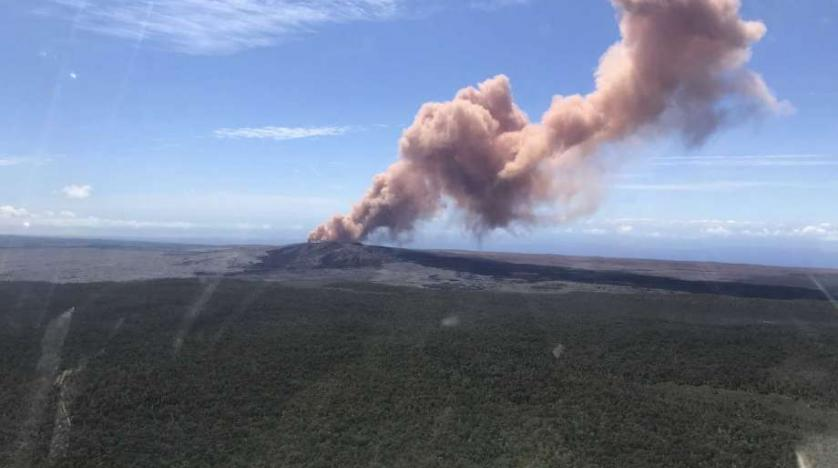 Kilauea volcano erupts, thousands urged to leave homes in Hawaii