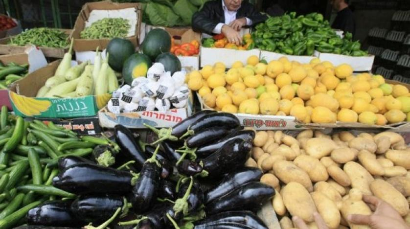 palestinian authority bans entry of israeli agricultural products