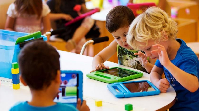 Tablets And Smartphones May Affect >> Screen Time Affects Toddlers Problem Solving Skills Asharq Al Awsat
