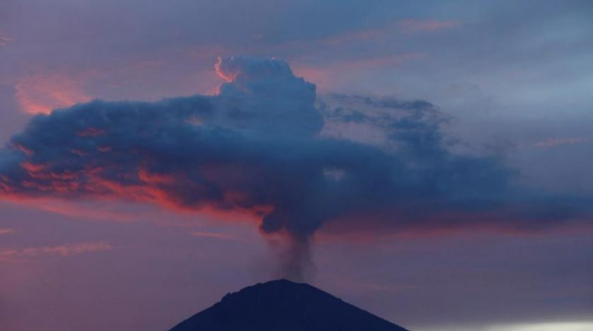 Mount Agung volcano in Bali erupts again