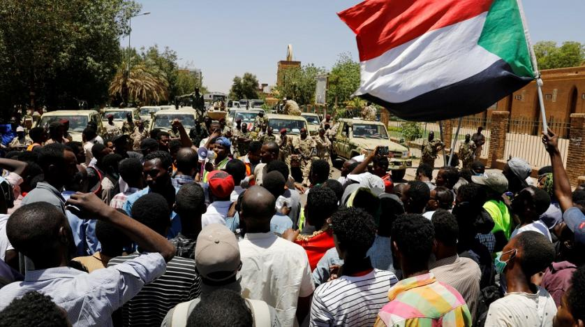 Sudanese military invites protesters to talks amid tensions