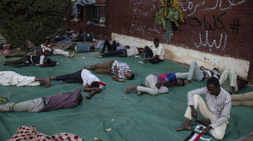Sudanese protesters: Forces kill one outside Khartoum's sit