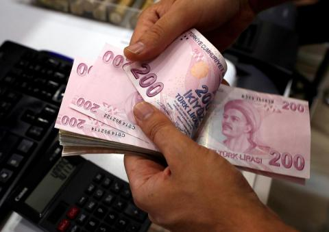 Turkish Lira Weakens as Investors Remain Cautious of Emerging Markets