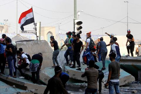 Iraq Demonstrations Flare as Baghdad Faces Renewed Pressure